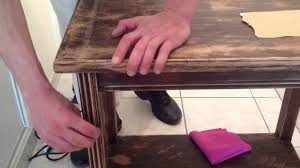 Comment décaper un meuble en bois ?